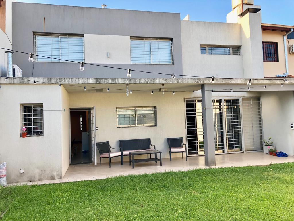 Foto Casa en Venta en  Ituzaingó Norte,  Ituzaingó  Alberti al 600