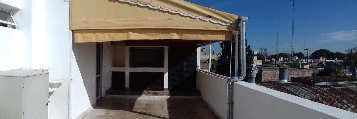 Foto Departamento en Venta en  General Pueyrredon,  Cordoba  Padre Luis Monti 1457