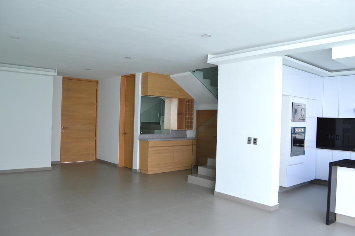 Foto Casa en Venta en  Fraccionamiento Los Almendros,  Zapopan  Av Rio Blanco 1676 237