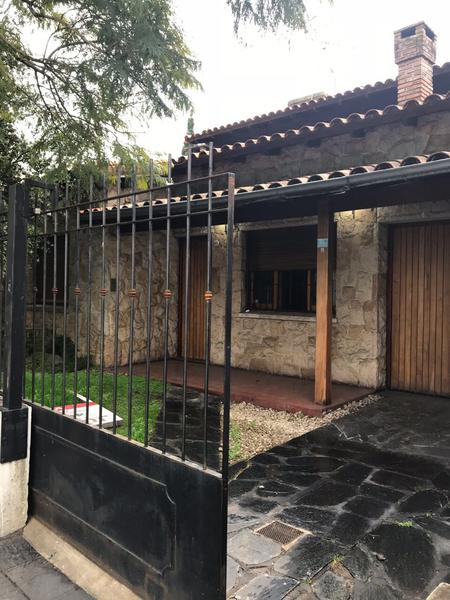 Foto Casa en Venta en  B.Ayerza,  Castelar  Gimenez al 3100