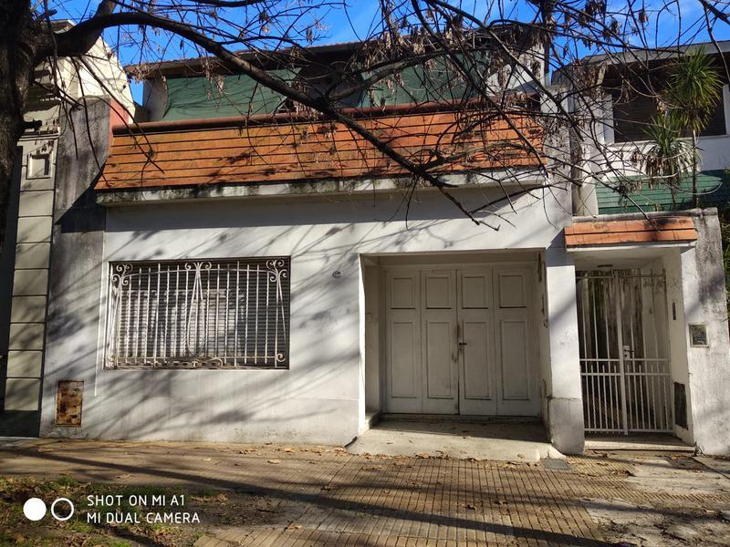 Foto Casa en Venta en  Banfield Oeste,  Banfield  ACEVEDO 1746 e/ vieytes y darragueira