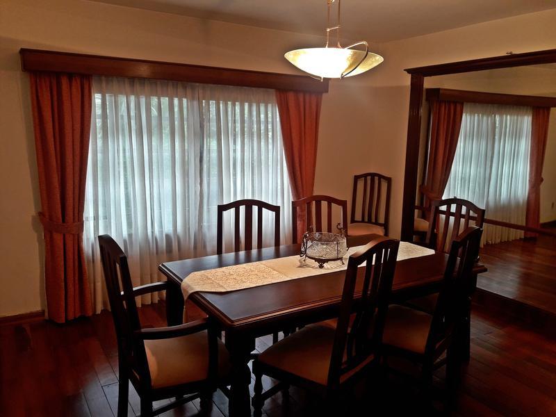 Foto Casa en Venta | Alquiler en  Carrasco ,  Montevideo  Casa venta Excelente estado, 4 dorm, metros rambla
