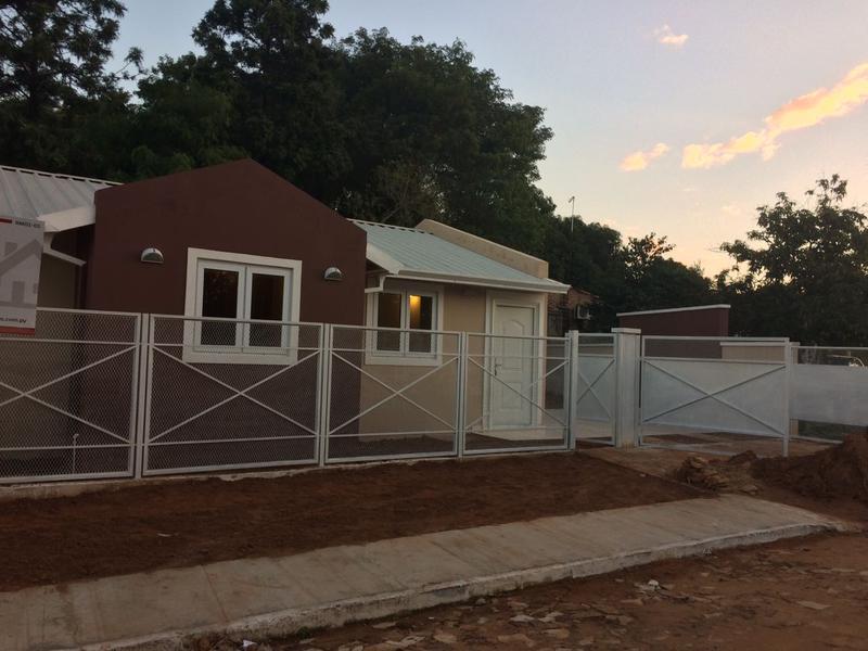 Foto Casa en Venta en  Luque ,  Central  Loma Merlo Luque