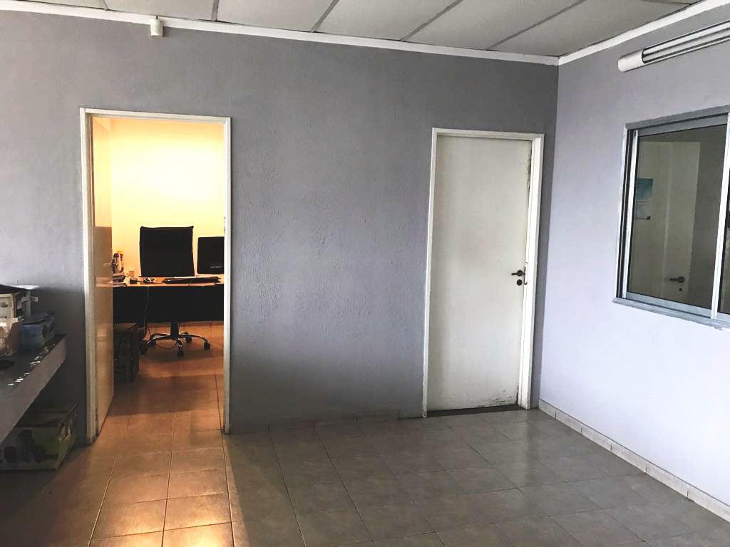 Foto Local en Alquiler en  Castelar Sur,  Castelar  Zeballos al 3200