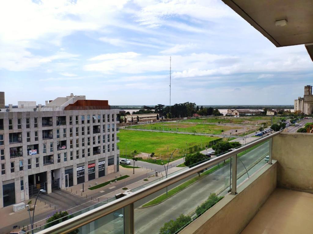 Foto Departamento en Alquiler en  Puerto Norte,  Rosario  Av. Carballo al 500