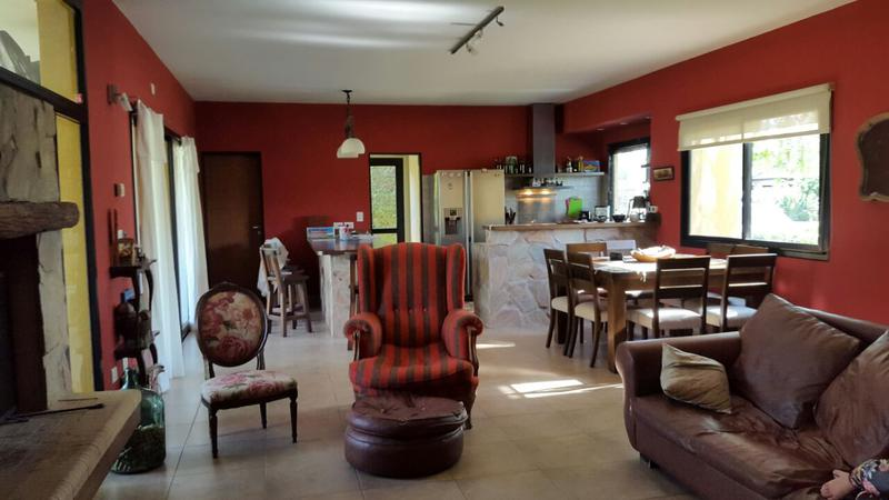 Foto Casa en Venta | Alquiler en  El Centauro,  Countries/B.Cerrado  El CENTAURO