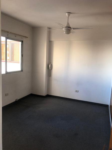 Foto Oficina en Alquiler en  Liniers ,  Capital Federal  Av. Rivadavia al 1000