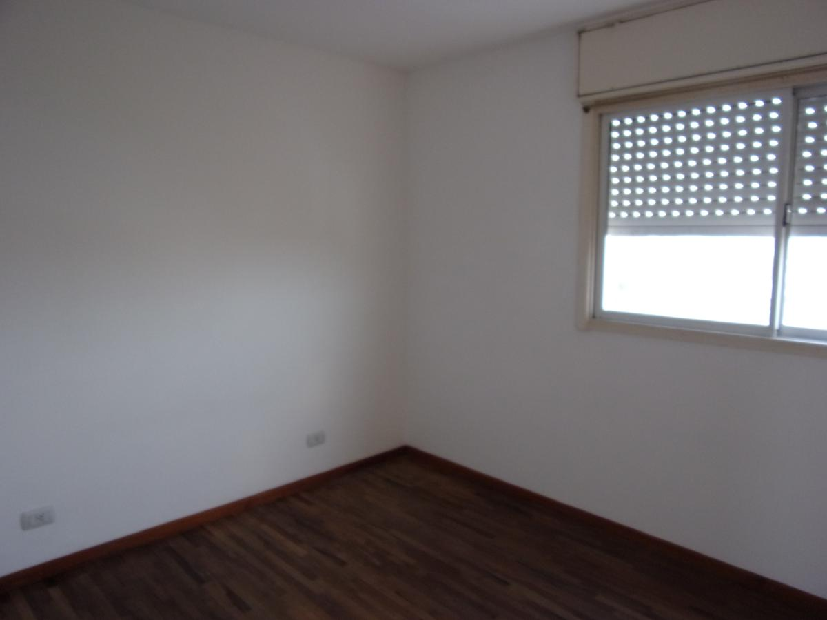 Foto Departamento en Alquiler en  Remedios de Escalada de San Martin,  Rosario  SAN JUAN al 4200