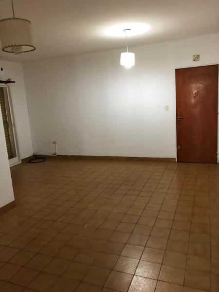 Foto Departamento en Alquiler en  Ezeiza ,  G.B.A. Zona Sur  Av. Patricios 349 t:10, depto:2