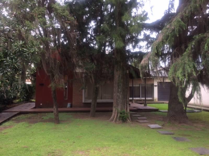 Foto Casa en Venta en  Ranelagh,  Berazategui  Calle 32 3445