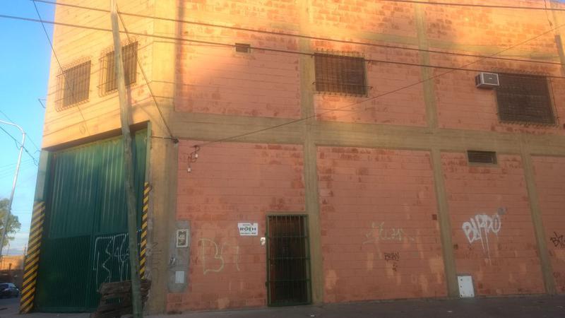 Foto Galpón en Venta en  Ciudad De Tigre,  Tigre  Sargento Cabral y Chacabuco