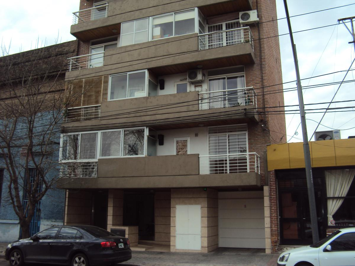 Foto Departamento en Venta en  Remedios de Escalada de San Martin,  Rosario  SAN JUAN 4214