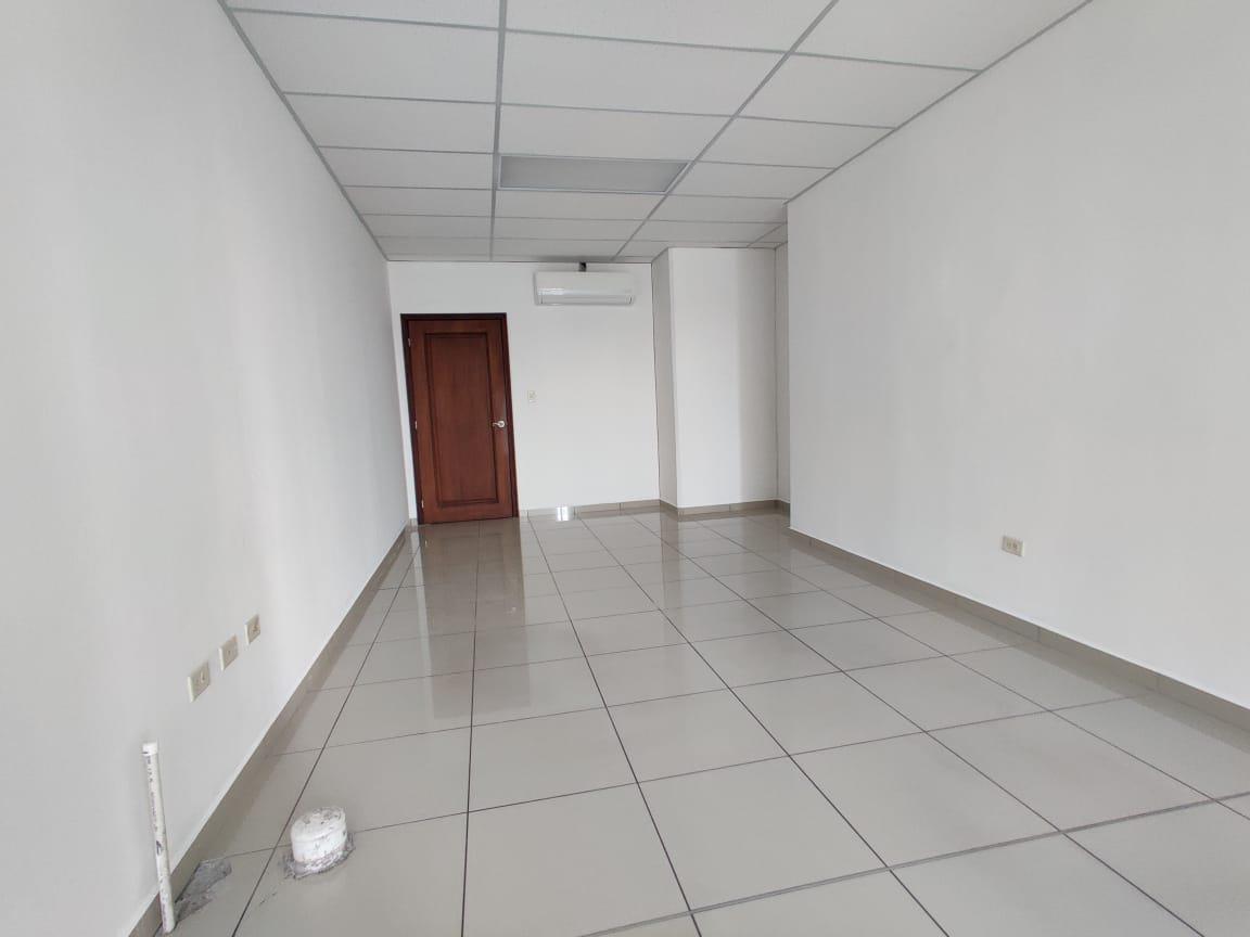 Foto Oficina en Renta en  Boulevard Morazan,  Tegucigalpa  Local de Oficina: 32m2 en Centro Morazán
