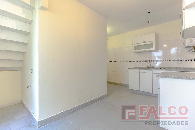 Foto Casa en Venta en  Liniers ,  Capital Federal  El Mirasol al 600