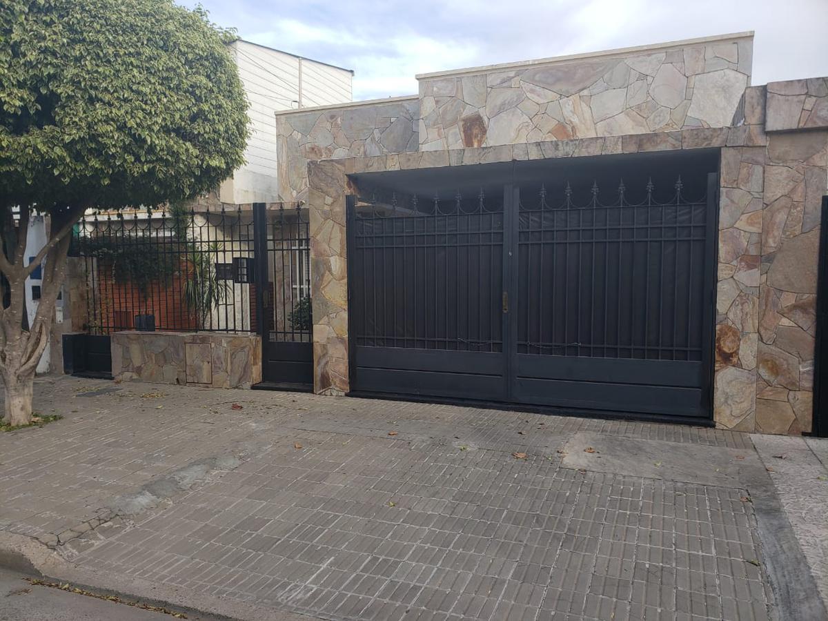 Foto Casa en Venta en  Belgrano,  Rosario  DERQUI al 7000