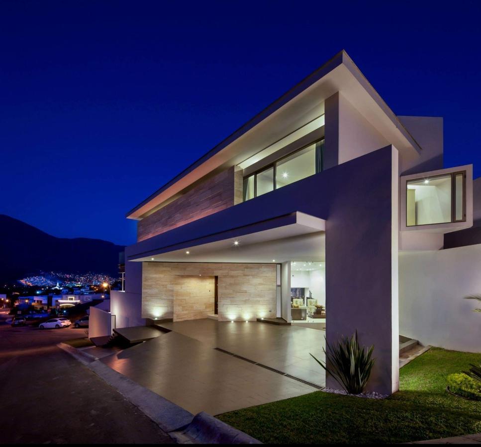 Foto Casa en Renta en  Lagos del Vergel,  Monterrey  Casa en Renta Amueblada, Zona Carretera nacional en fracc. privado con doble caseta de vigilancia 24/7 (MVO)
