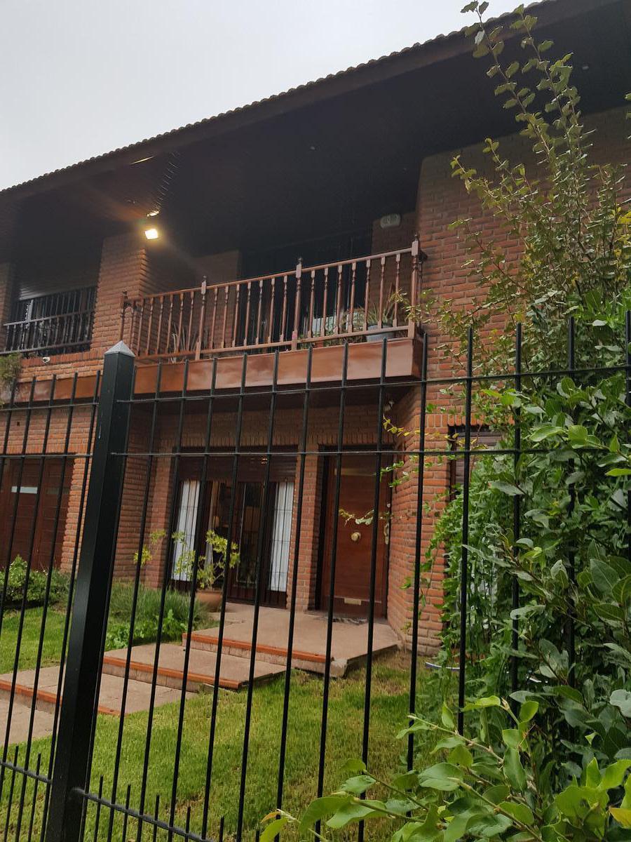 Foto Casa en Venta en  Constitucion,  Mar Del Plata  Belisario roldan al 1400