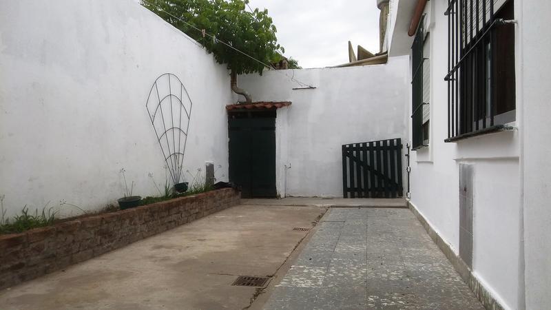 Foto PH en Venta en  Haedo Sur,  Haedo  Enrique del Valle Iberlucea al 1300
