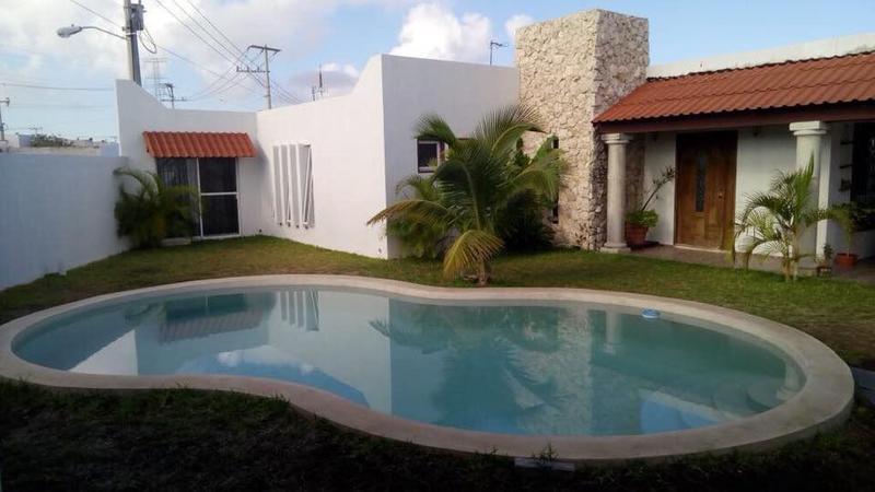 Foto Casa en Venta en  Othón P. Blanco ,  Quintana Roo   HERMOSA CASA TIPO HACIENDA EN ESQUINA MUY AMPLIA FRACC. LAS AMERICAS