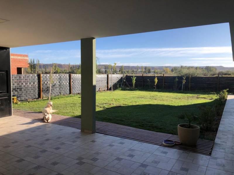 Foto Casa en Venta en  Capital Federal ,  Capital Federal  Bº Los Prados - Pergamino al 1500
