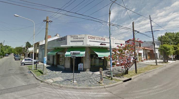 Foto Local en Alquiler |  en  Moron ,  G.B.A. Zona Oeste  Yerbal Esquina Concordia