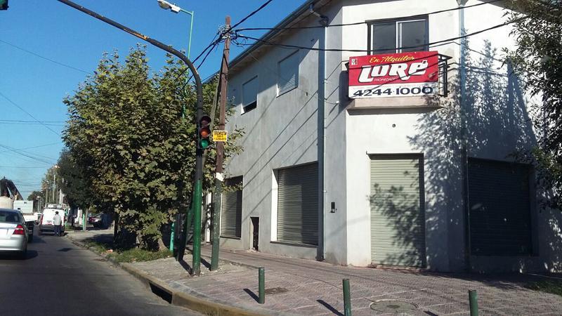 Foto Local en Alquiler en  Lomas de Zamora Este,  Lomas De Zamora  Amero y Cerrito