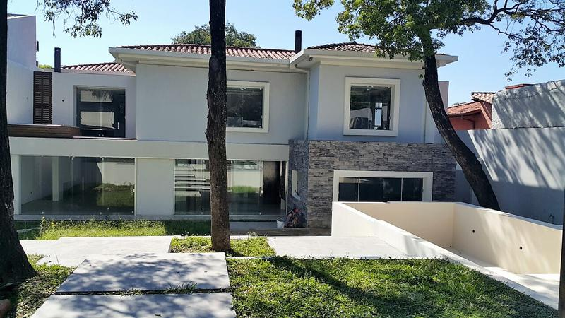 Foto Casa en Venta | Alquiler en  Recoleta,  La Recoleta  Zona Club Centenario