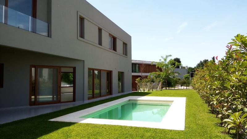 Foto Casa en Venta en  Countries/B.Cerrado (San Isidro),  San Isidro  Rincón de La Horqueta - Carlos Tejedor al 1500