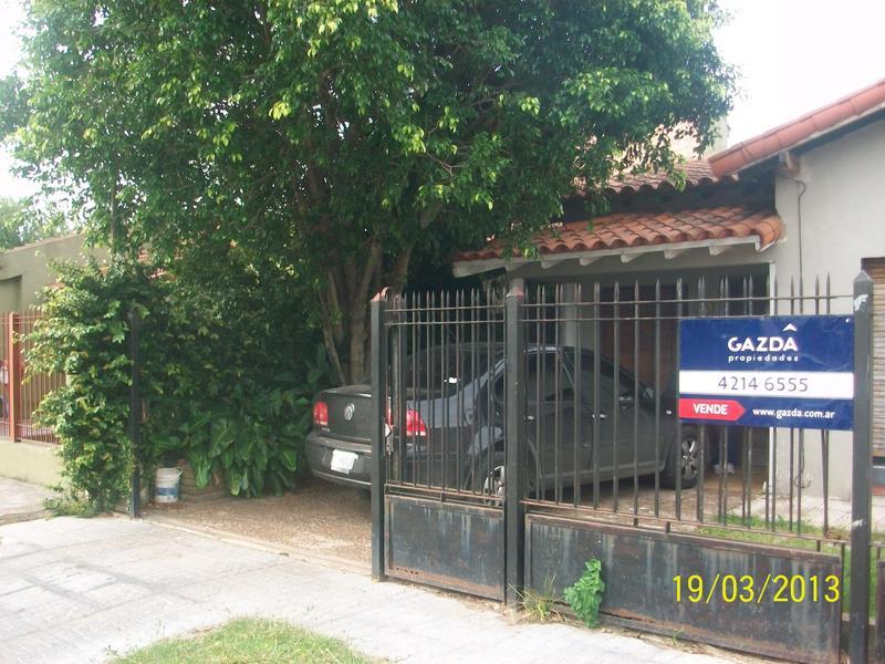Foto Casa en Venta en  Burzaco,  Almirante Brown  ESTRECHO DE BEAGLE entre  y