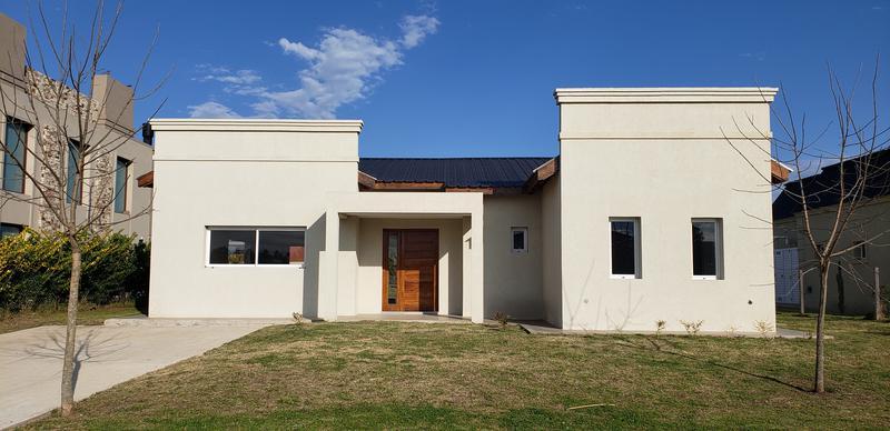 Foto Casa en Venta en  Santa Juana,  Canning        Casa en alquiler o venta en Santa Juana