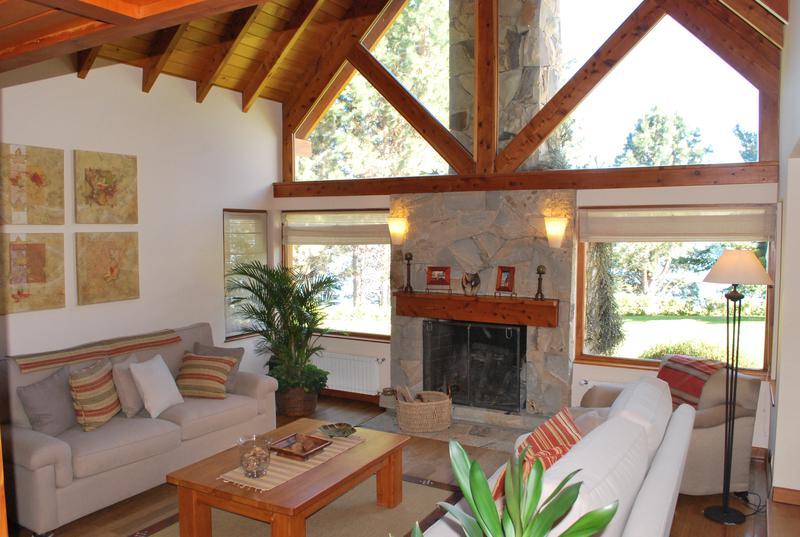 Foto Casa en Venta en  Dina Huapi,  Pilcaniyeu  CON COSTA DE LAGO,