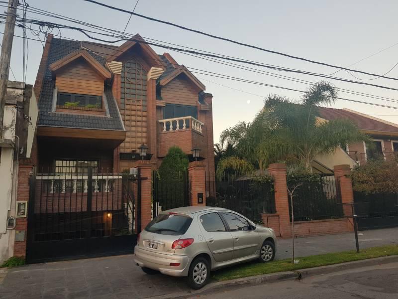 Foto Casa en Venta en  General San Martin,  General San Martin  Rondeau 2559