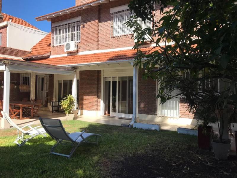 Foto Casa en Venta en  Martinez,  San Isidro  Balcarce al 2600
