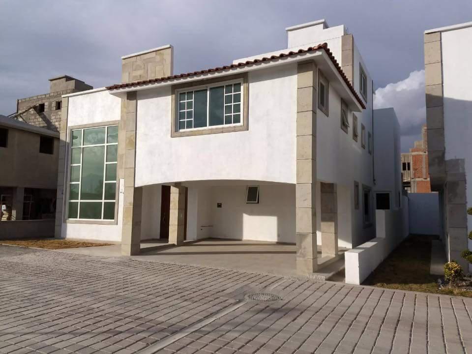 Foto Casa en condominio en Venta en  Llano Grande,  Metepec  VENTA DE CASA DE 4 RECAMARAS CON AMPLIOS ESPACIOS EN METEPEC