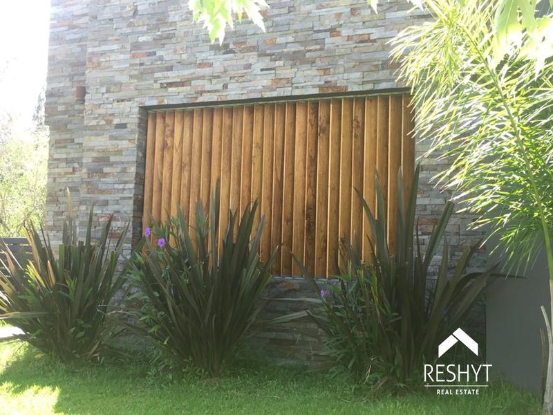 Foto Casa en Venta en  San Marco,  Villanueva  DEAN FUNES al 2000 - SAN MARCO - VILLANUEVA