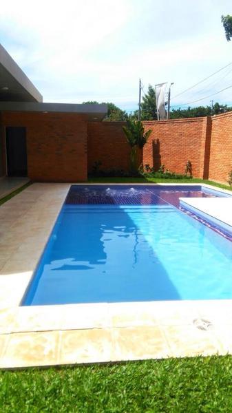 Foto Casa en Alquiler en  Villa Adela,  Luque  Zona Conmebol