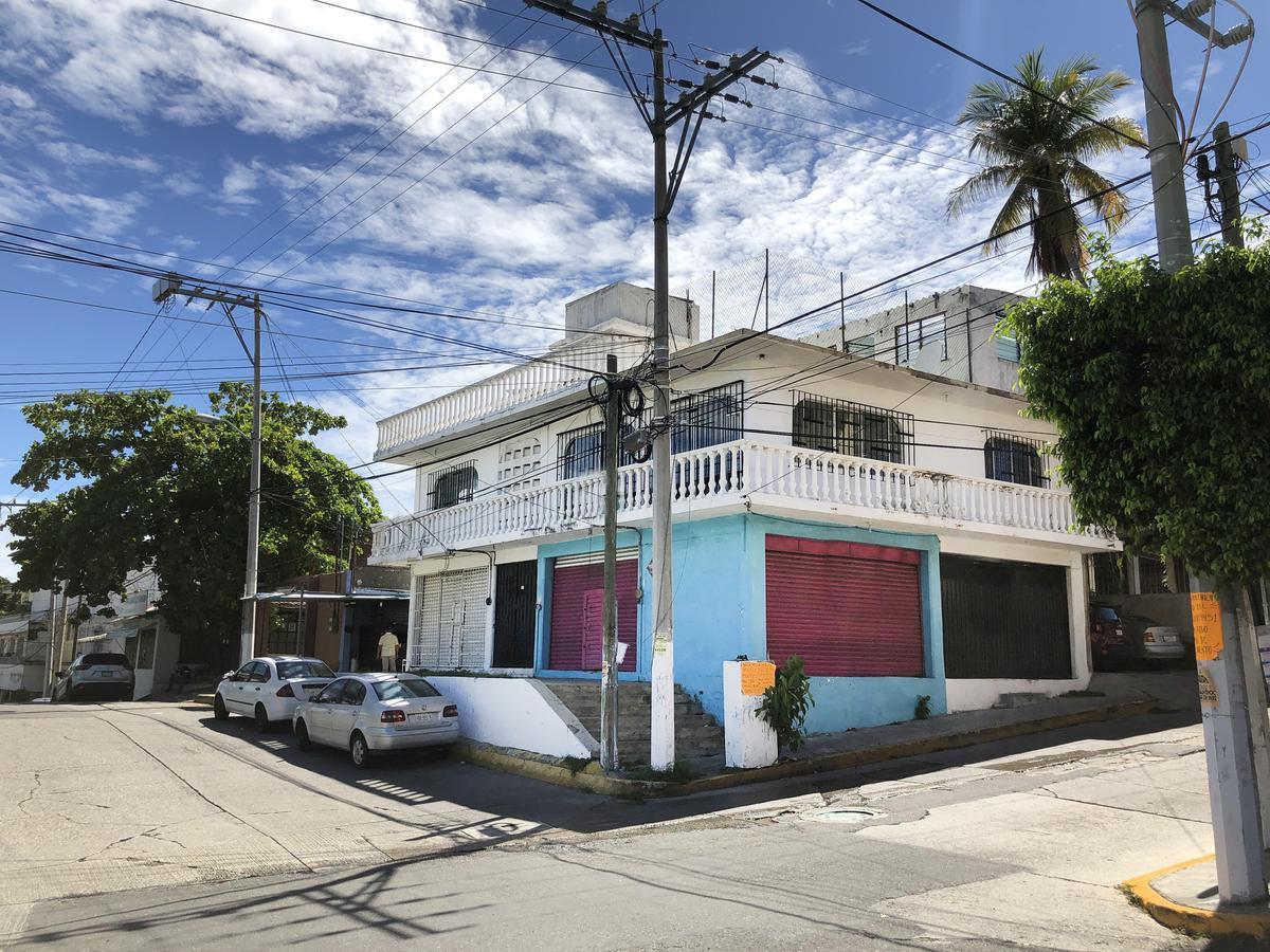Foto Casa en Venta en  La Garita,  Acapulco de Juárez          CASA SOLA EN  VENTA COL. LA GARITA
