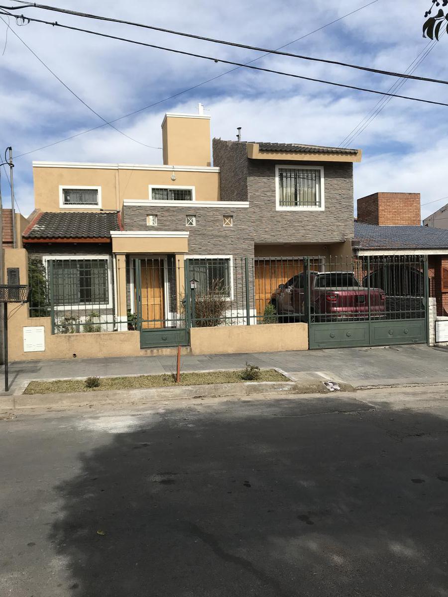 Foto Casa en Venta en  San Salvador,  Cordoba   VENDO -  B° SAN SALVADOR - 3 DORM -   3 BAÑOS