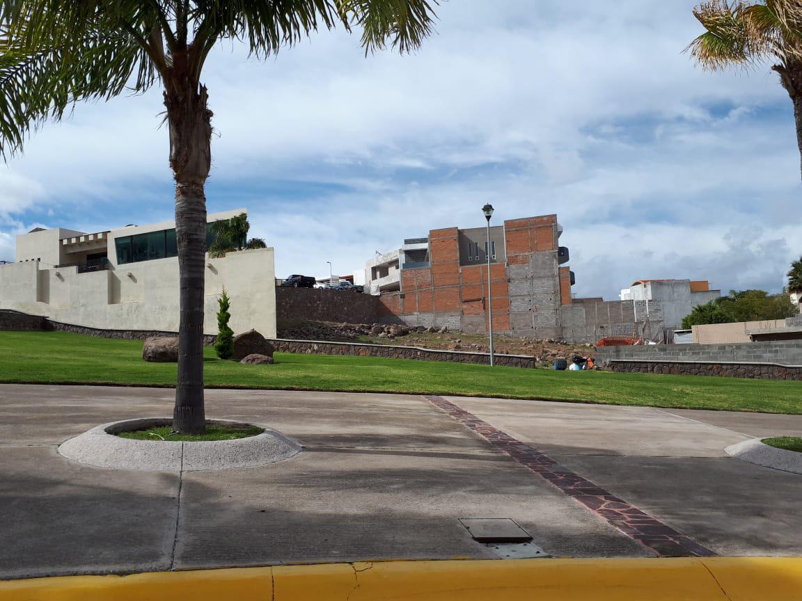 Foto Terreno en Venta en  San Luis Potosí ,  San luis Potosí  EXCELENTE TERRENO EN VENTA EN FRACC. MIRAVALLE, SAN LUIS POTOSI