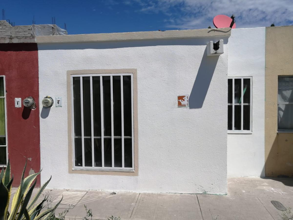 Foto Casa en Venta en  Fraccionamiento Paseos del Marques,  El Marqués  PASEOS DEL MARQUES CONDOMINIO TROJES