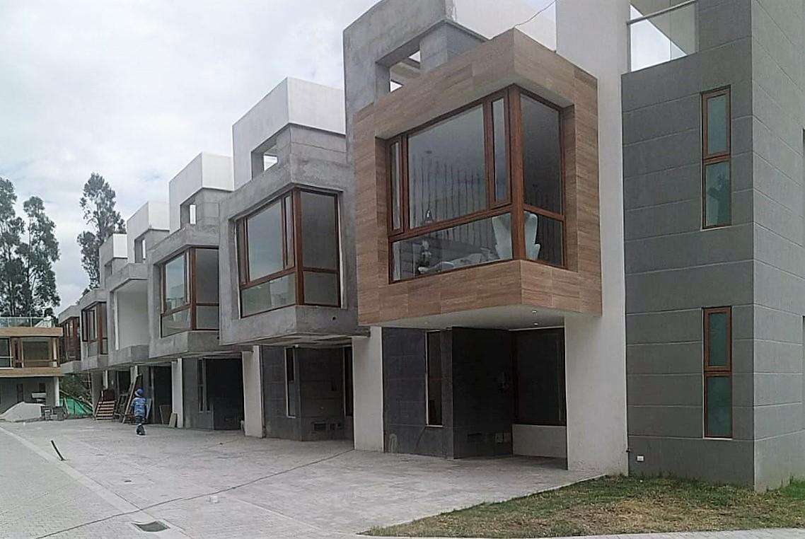 Foto Casa en Venta en  Tumbaco,  Quito  CASA  A ESTRENAR EN TUMBACO