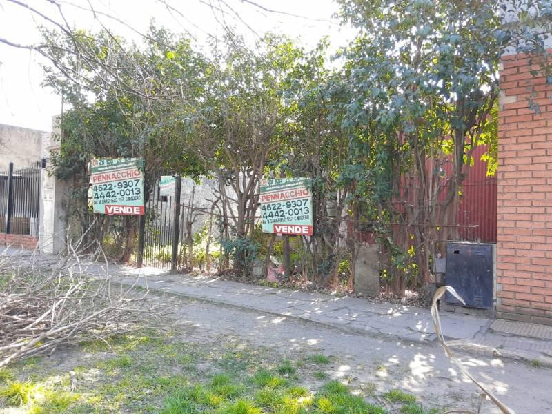 Foto Terreno en Venta en  Tapiales,  La Matanza  Los Nogales al 1600