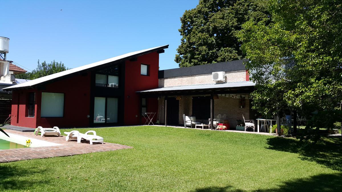 Foto Casa en Venta en  Villa Elisa,  La Plata  28 e/ 407 y 408