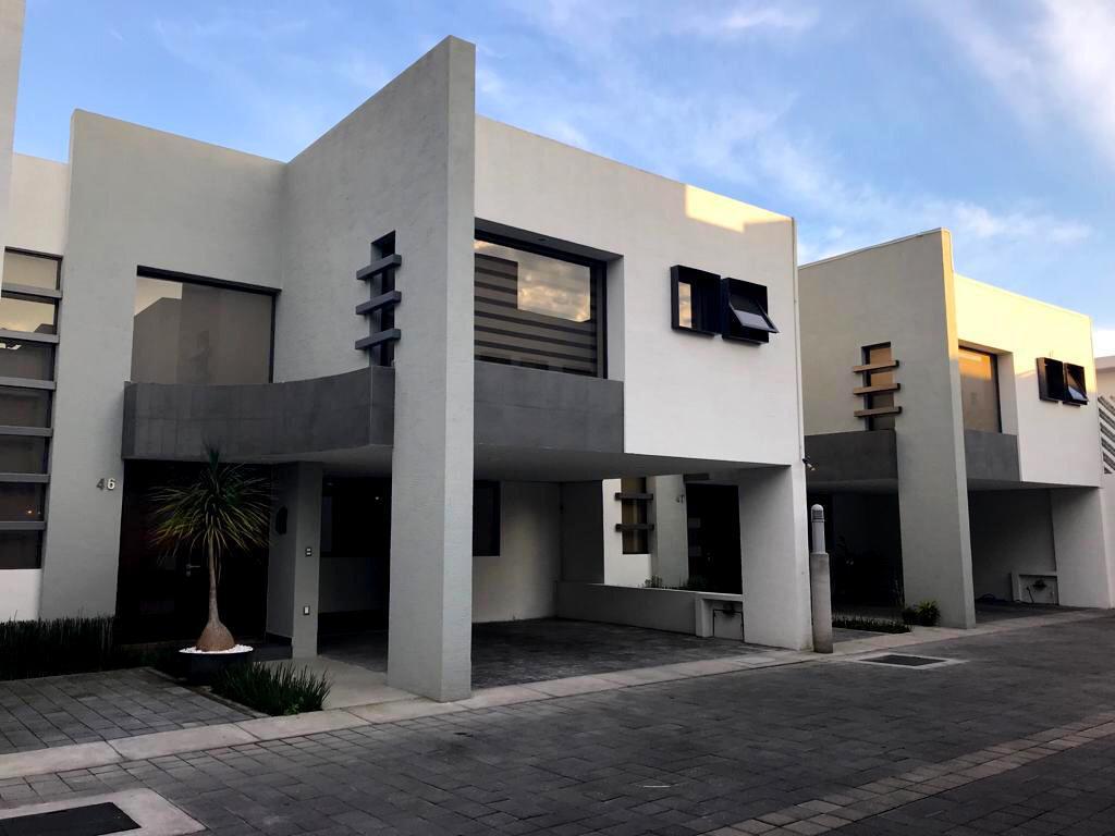 Foto Casa en condominio en Renta en  Bellavista,  Metepec  CASA ARIA RENTA