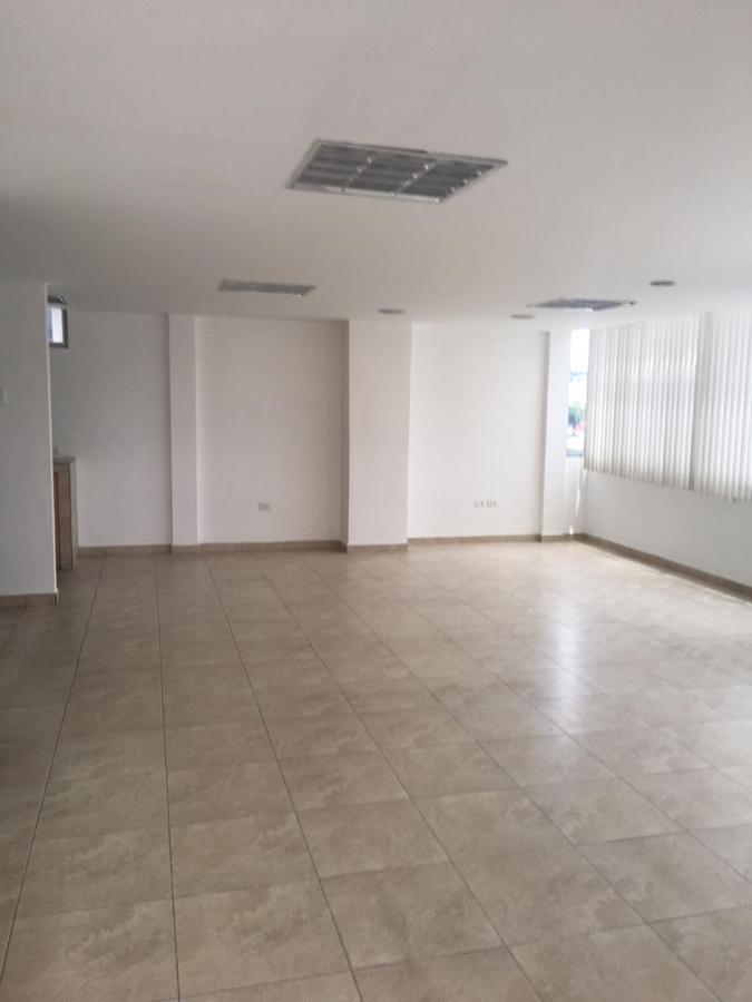 Foto Oficina en Alquiler en  Quito Tenis,  Quito  Vozandez y Mariano Echeverría