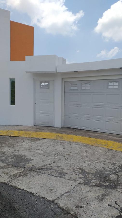 Foto Casa en condominio en Venta en  San Bartolomé Tlaltelulco,  Metepec  Fraccionamiento Bonanza