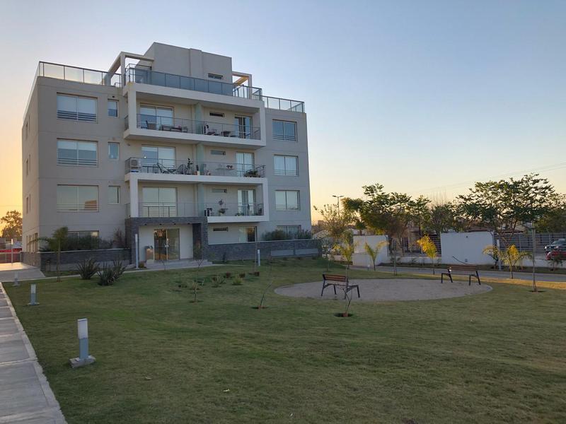 Foto Departamento en Venta en  Tejas del Sur,  Cordoba  Fontanas del Sur - 1 Dormitorio! En Venta o Alquiler ! Con Cochera!