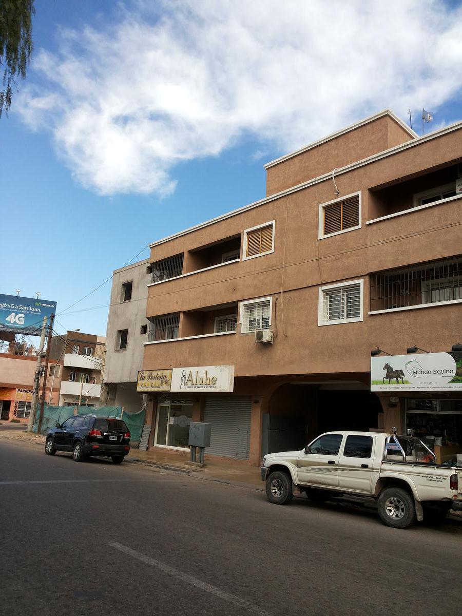 Foto Departamento en Alquiler en  Capital ,  San Juan  Lateral de Circunvalación antes de 9 de Julio