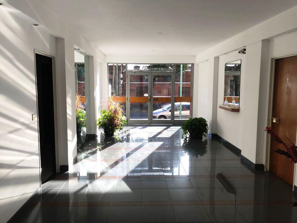 Foto Departamento en Alquiler en  Lomas De Zamora ,  G.B.A. Zona Sur  SAN MARTIN 57 PB°A