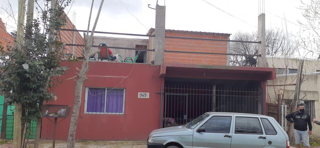 Foto Casa en Venta en  Mariano Acosta,  Merlo  Esteban de Rosas al 500